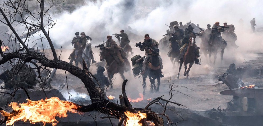 12strong-soldiers-fire-battle